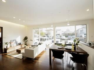 Live Sumai - アズ・コンストラクション - Modern living room Wood White