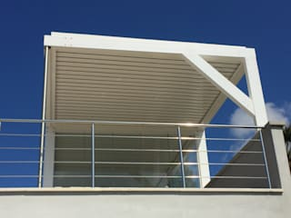 Panorama totale Balcone, Veranda & Terrazza in stile moderno di VIVERE IL FUORI Moderno