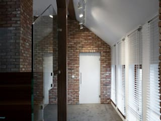 Minimalist corridor, hallway & stairs by MINIMOO Architektura Wnętrz Minimalist
