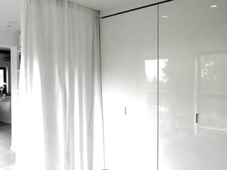 MINIMOO Architektura Wnętrz Habitaciones de estilo minimalista