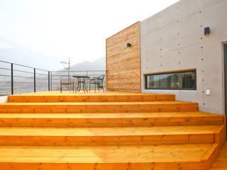 한글주택(주) Balcone, Veranda & Terrazza in stile moderno