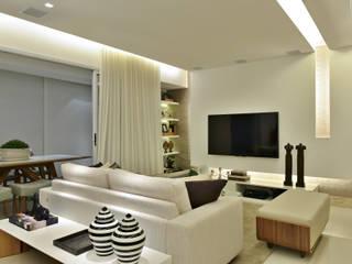 Living room by Argollo & Martins | Arquitetos Associados, Minimalist