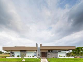 Casa P-M Casas de estilo moderno de J-M arquitectura Moderno