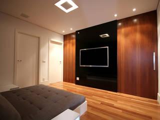 Salas multimedia de estilo moderno de F:POLES ARQUITETOS ASSOCIADOS Moderno