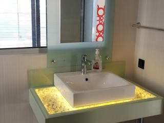 SAYTAS SABUNCUOGLU YAPI VE TIC.LTD.STI. Modern style bathrooms