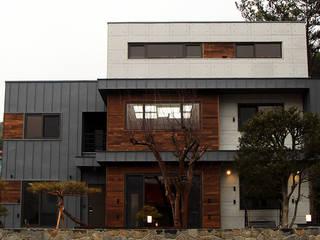 Modern houses by 엔디하임 - ndhaim Modern