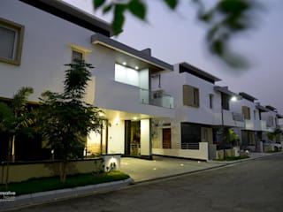KREATIVE HOUSE Modern home Concrete White