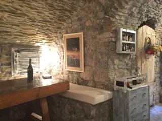 Antica Cisterna - 2016 Sala da pranzo in stile mediterraneo di Studio la Piramide Architettura e Urbanistica Mediterraneo