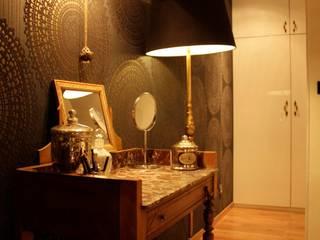Transformation d'une chambre d'enfant en chambre parentale : Chambre de style  par Liza Badet _ Architecte d'intérieur