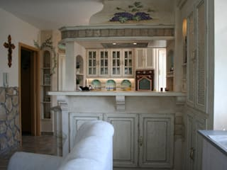 Villa Medici - Landhauskuechen aus Aschheim Kitchen Solid Wood White