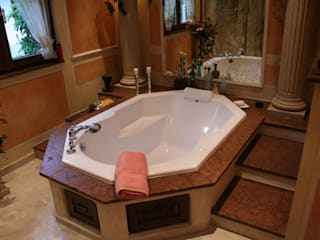 Villa Medici - Landhauskuechen aus Aschheim Kamar Mandi Gaya Mediteran Marmer Beige