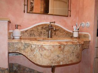 Baños de estilo mediterráneo de Villa Medici - Landhauskuechen aus Aschheim Mediterráneo