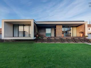 Modern houses by ARKHY PHOTO Modern