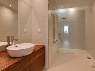 Bathroom by ARKHY PHOTO, Modern