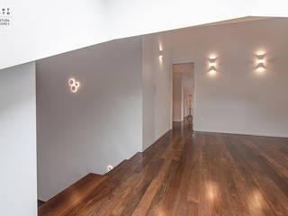 ARKHY PHOTO Dormitorios de estilo moderno