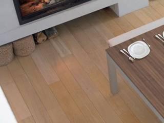 Fusion: Salle à manger de style  par Fusion Tables,