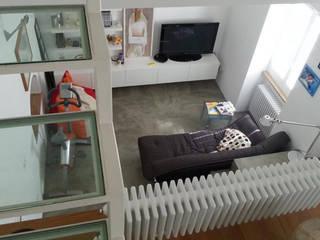 Casa a torre Soggiorno minimalista di Studio DeGli Architetti G. De Angelis - F. Glionna Minimalista