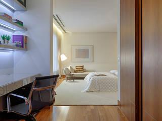 Quartos  por Bruna Figueiredo Arquitetura e Interiores, Moderno