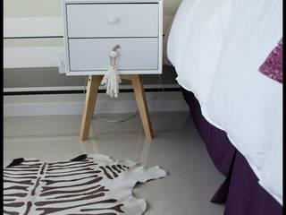 Diseñadora Lucia Casanova의  침실, 에클레틱 (Eclectic)