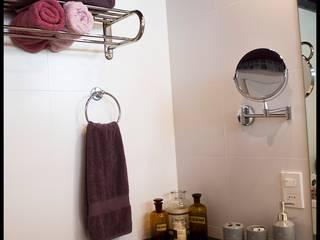 Baño en Suite: Baños de estilo  por Diseñadora Lucia Casanova