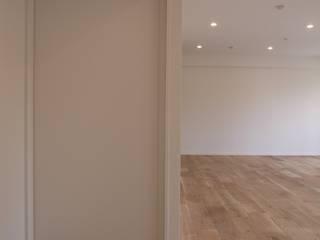 Living room by 株式会社小野デザイン事務所|Ono and Associates Inc., Scandinavian