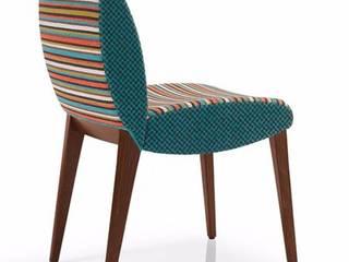 Silla tapizada Magee de comedor:  de estilo  de Loftchair