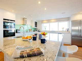 Tregoose, Polzeath Modern kitchen by The Bazeley Partnership Modern