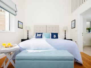 Tregoose, Polzeath The Bazeley Partnership Modern style bedroom