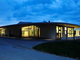 Neubau Kinderhaus an der Universität Konstanz Moderne Schulen von FRM Architekten Modern