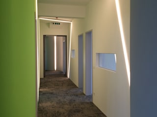 Corridor & hallway by MOHO 1