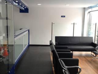 от Arquitectura Modular Residencial Comercial Interiorismo Эклектичный