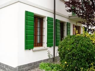 Classic style garden by Contesini Studio & Bottega Classic
