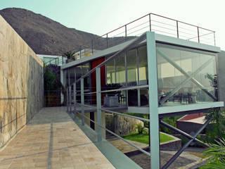 CASA MIRADOR Casas modernas: Ideas, imágenes y decoración de NIKOLAS BRICEÑO arquitecto Moderno