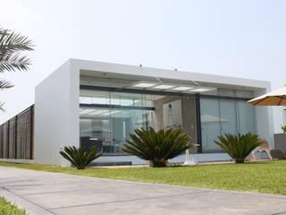 NIKOLAS BRICEÑO arquitecto Casas modernas