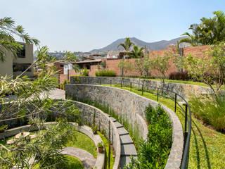 Jardin de style  par NIKOLAS BRICEÑO arquitecto, Moderne
