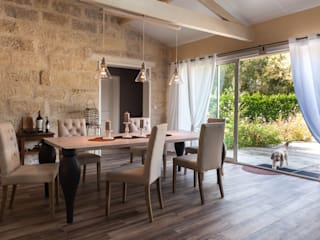 Agence boÔbo Rustic style dining room