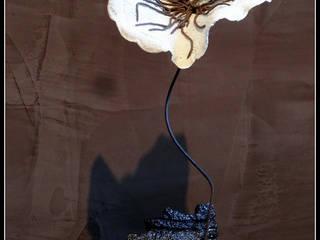 Créations céramiques et porcelaines:  de style  par Laetitia De Maria