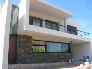 Casa D - El Dorado II - Carlos Paz: Casas de estilo  por Estudio Arquitectura Agustín Duarte