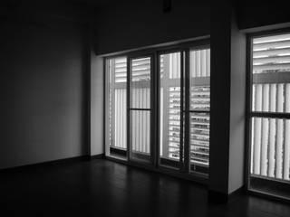 Lattice House BETWEENLINES Modern walls & floors