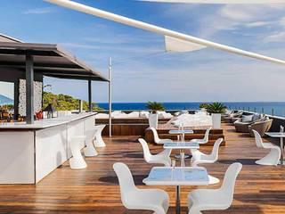 HOTEL AGUAS DE IBIZA: Hoteles de estilo  de Area Interior Procurement S.L.