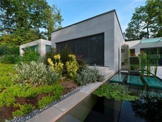 Jardin contemporain: Jardin de style  par LES ARCHITECTES DU PAYSAGE