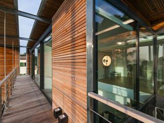 Modern home by didier becchetti architectes Modern