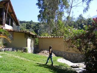 Catalejo Estudio Balcones y terrazas de estilo mediterráneo de Loft estudio C.A. Mediterráneo