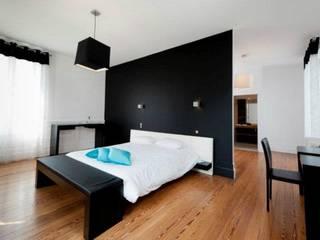 Laskasas Modern style bedroom
