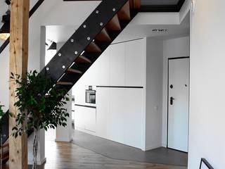 Moderner Flur, Diele & Treppenhaus von PUCHER Modern
