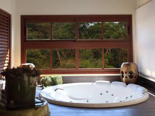 Salle de bains de style  par info9113