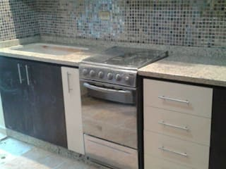 Kitchen by Dennys Muebles a tu Medida, Modern