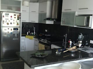 Kitchen by Dennys Muebles a tu Medida