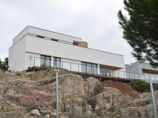 Casa BioPasiva de 230m2 con estructura de madera - Consumo casi nulo Casas de estilo mediterráneo de Habitar Natural 100x100madera, SL Mediterráneo