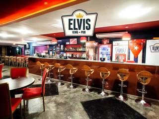 Elvis King Pub Bares e clubes modernos por Caio Prates Arquitetura e Design Moderno